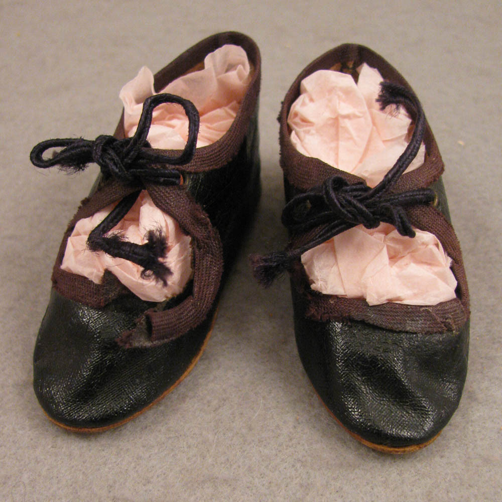 """Pair Antique German Brown Oilcloth Doll Shoes 3"""""""