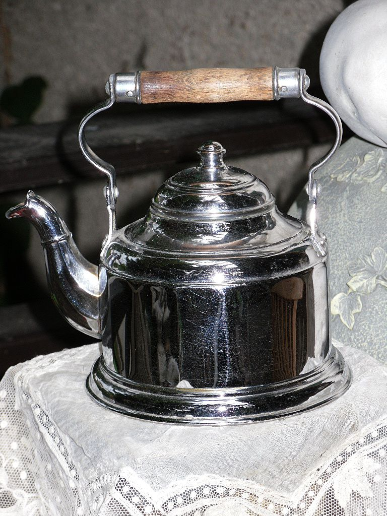 ~~~ Pretty Water Boiler made from Silver Plate / Märklin / German 1900th. ~~~