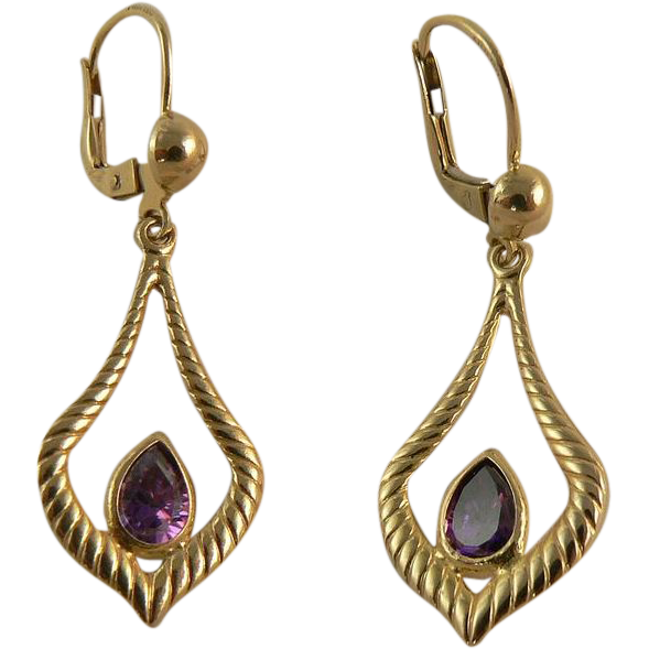 Lovely 14k  Gold Amethyst Earrings, Pierced Ears.