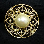 Vintage Faux Pearl and Gold Tone Circle Brooch