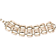 Cream Colored Thermoset Bracelet – Awesome Condition